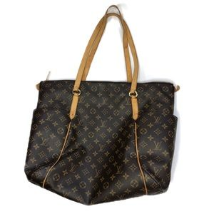 f407b1a8d09 Women Louis Vuitton Fabric Handbags on Poshmark